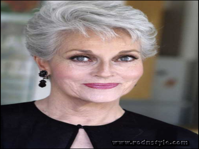 Short Haircuts For Mature Ladies 6