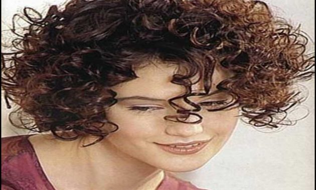 Haircuts For Curly Frizzy Hair 10
