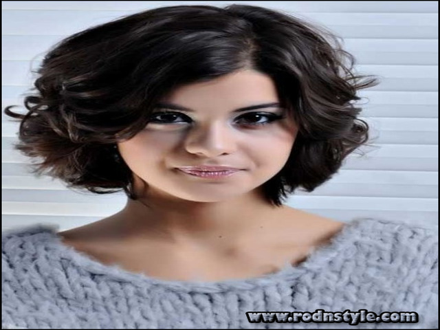 Haircuts For Curly Frizzy Hair 8
