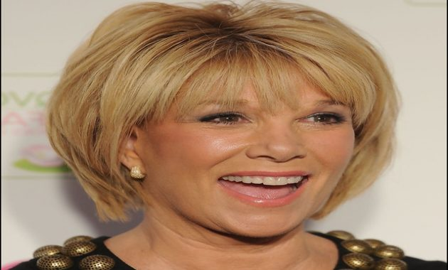 Short Haircuts For Mature Women 6