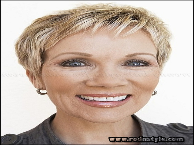 Short Haircuts For Mature Ladies 9