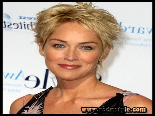 Short Haircuts For 50 Year Old Woman 4