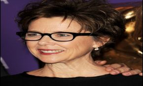 Short Hairstyles For Over 50 With Glasses 4