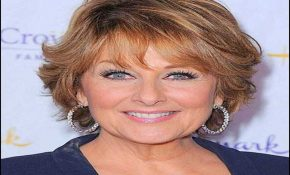 Short Hairstyles For Over 50 With Glasses 5