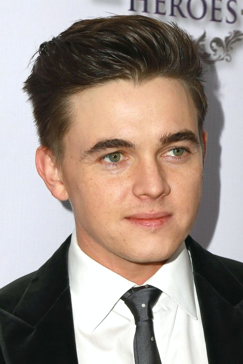 Hairstyles-For-A-Man-With-A-Round-Face Hairstyles For A Man With A Round Face
