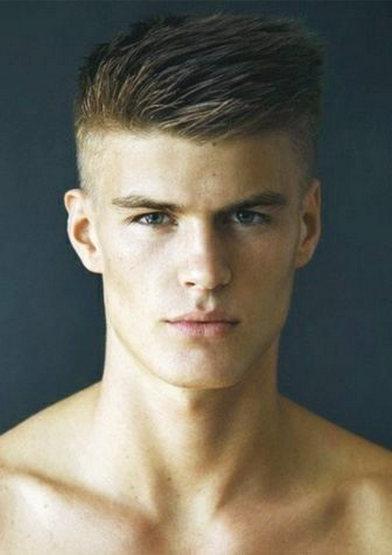 Mens-Haircut-Short-On-Sides-Comb-Over-On-Top Mens Haircut Short On Sides Comb Over On Top