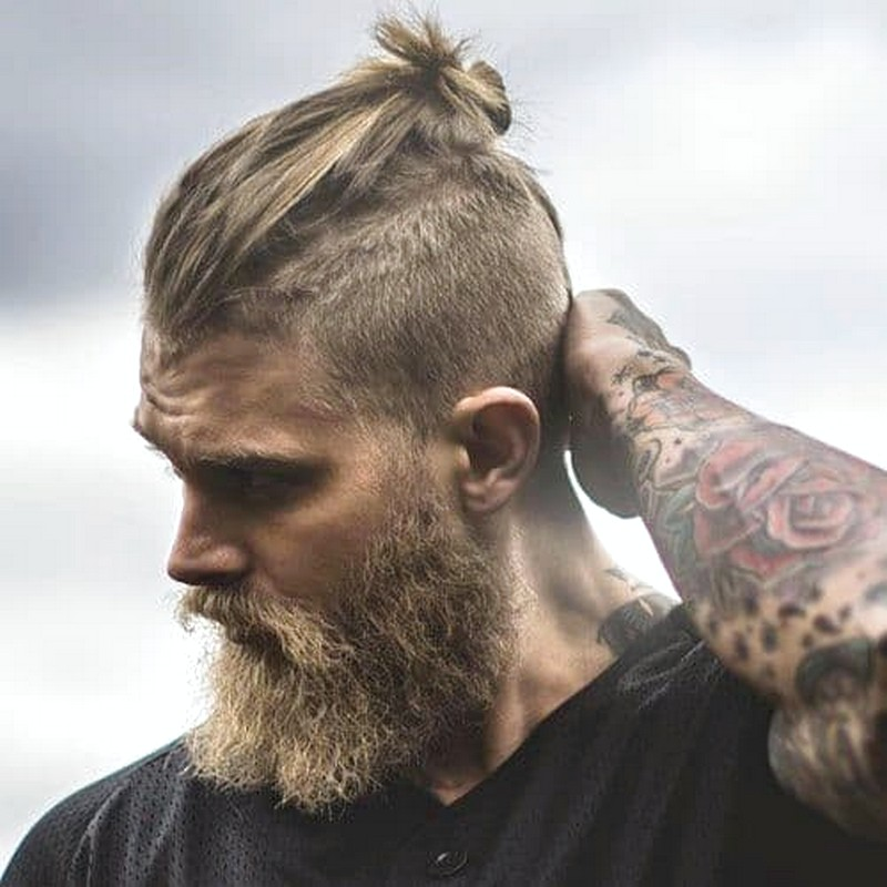 Top-Knot-MenS-Hairstyle Top Knot Men'S Hairstyle