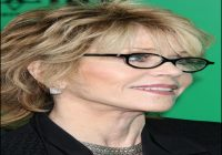 Short Hairstyles For Over 50 With Glasses 6